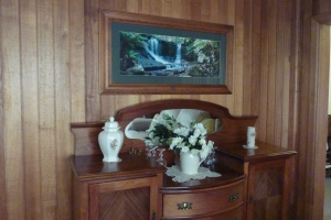 Sideboard and picture, gumtree bargains.